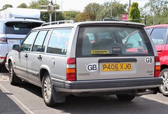 P406 XJO (Nivek.Old.Gold) Tags: 1996 volvo 940 23 hpt se estate 2316cc lancaster brentwood