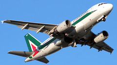Alitalia, Airbus A319 > EI-IMO (FLR/LIRQ - 10.08.2019) (Ernesto Imperato - Firenze (Italia)) Tags: firenze peretola vespucci flr lirq canon eos alitalia eiimo airbus airbusa319 a319 roma