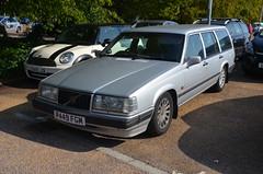 940 SE (Sam Tait) Tags: volvo 940 945 estate silver retro rare classic car turbo se 23 auto automatic petrol 1997