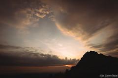 De bon matin au Pilat (Quentin Douchet) Tags: auvergnerhônealpes france loire nature parcnaturelrégional parcnaturelrégionaldupilat pilat ciel cloud landscape leverdesoleil nuage paysage sky sunrise