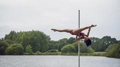 (dimitryroulland) Tags: nikon d750 85mm 18 dimitryroulland bretagne france nature natural light poledance poledancer pole dance dancer flexible people flexibility performer art artist split green lake