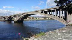 The Royal Tweed Bridge with the Royal Border Bridge in the background (David Jones) Tags: northumberland berwickupontweed royaltweedbridge royalborderbridge bridge river tweed