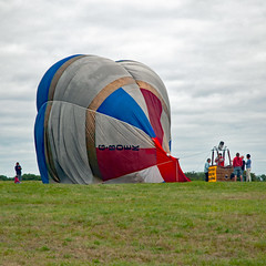 bbf16 cp 8842 (m.c.g.owen) Tags: gboek bristol international balloon fiesta ashton court august 14th 2016 landing hot air balloons