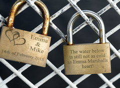Love gone cold? (simonannable) Tags: fujifilmxt2 fujifilm60mm macro closeup lovelock padlock mesage locked fence custom old love cold example emmamarshall nottingham pedestrianbridge couple rivertrent hate bitterness regret urbex urbanexploration coldheart lost