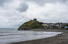 Criccieth Castle (RedPlanetClaire) Tags: wales criccieth castle sea sand bay