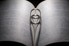 Loving Book (Bobe Mihai) Tags: book macro love wedding ring rings bokeh close closeup photo canon light married shadow carte inima nunta verighete poza pictura fotografie