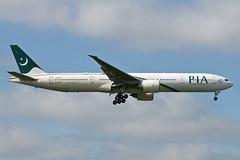 AP-BHW_20190626_LHR_51640_M (Black Labrador13) Tags: apbhw boeing 777 b777 777300 777340 pia pakistan international airlines lhr egll avion plane aircraft vliegtuig airliners civil