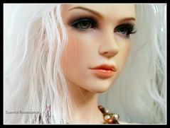 White hair (Essential Resinescence) Tags: bjd iplehouse eva nyid resin doll