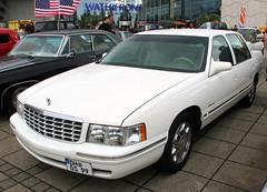 Deville (Schwanzus_Longus) Tags: bremen german germany us usa america american modern car vehicle sedan saloon cadillac deville