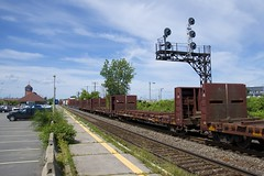 Empties (Michael Berry Railfan) Tags: cn368 train freighttrain dorval montreal montrealsub quebec cn canadiannational