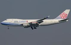 China Airlines Boeing 747-409F B-18716 (Fasil Avgeek (Global Planespotter)) Tags: china airlines boeing 747409f b18716 air airways airport jfk kjfk 747400f jet aircraft airplane airliner jetliner