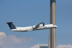 Porter Airlines (John Tavares Jr) Tags: porterairlines dash8 cntower