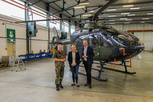 Besuch der Hubschrauberausbildung in Bückeburg bei meiner Bundestagskollegin Marja-Liisa Völlers (Mitte).