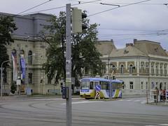Niet zo'n goed tramspotterspunt ... (Harry -[ The Travel ]- Marmot) Tags: slowakije slovakia zomer summer 2019 allrightsreservedcontactmebyflickrmail travel reis treinreis košice tram streetcar tramm tramvaiul tramvay tramwaj tramwaje tranvia strasenbahn strassenbahn tramways tramvie tranvias trams tramway openbaarvervoer publictransportation transport rail