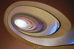 spirale (Franck.Robinet) Tags: portugal porto lights colimaçon steps curved spiral spirale staircase stairs pov dof architecture art artistic escaliers curves courbe couleurs colors stairway escargot snail