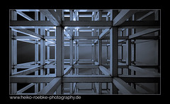 cubes! (Heiko Röbke) Tags: berlin de architektur kunstobjekt art 2019 canon5dmkiv architecture skulptur streetart kreuzberg strasenkunst monochrome sigma1224mmf40dghsmart noiretblanc bw