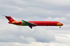 (ORY) Danish Air transport MD83  OY-RUE Landing runway 24 from Porto (dadie92) Tags: orly ory lfpo md83 landing porto oyrue runway24 spotting nikon d7100 sigma tamron airplane aicraft danieldanel