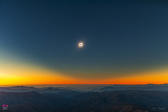 Vista ambiental en el medio de la totalidad - Lanscape view at mid totality (StarryEarth) Tags: eclipse total sol sun umbra corona baily contact contacto fases phases chile 2019