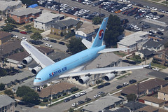 HL7619, Airbus A380, Korean Air, Los Angeles (ColinParker777) Tags: hl7619 airbus a380 380 a380800 aircraft airliner airplane plane aeroplane aviation landing approach finals flying flight ke kal korean airlines airways air fat dugong lax klax los angeles california socal airport usa united states america canon 5dsr 200400 l lens zoom telephoto pro air2ground suburb houses street city cars