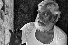 Santón indú. (Egg2704) Tags: india temploharshadmata harshadmata harshadmatatemple abhaneri streetphotography blancoynegro blackandwhite blackwhite bn fotografíadecalle