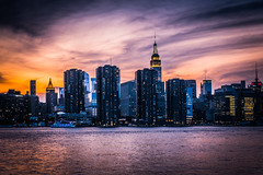 Manhattan, NYC (FedeSK8) Tags: brooklyn fedesk8 federicoscottophotography fujifilmxm1 newyork people places fedescotto architecture sunset tramonto skyscape urban