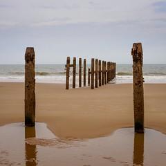 Happisburgh beach (AMcUK) Tags: em10 em10ii em10mkii em10mk2 em102 omdem10 omdem10mkii omd olympusuk m43 micro43rds micro43 microfourthirds olympus olympusdigital olympusdigitalcamera olympusomd 1240 1240pro norfolk happisburgh eastanglia coast sea seascape beach beachscene seaside water ocean breakwater seadefence seadefense