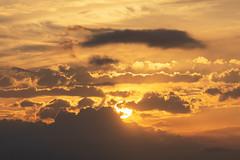 Atardecer en Valencia 33 (dorieo21) Tags: sol soleil sun sunset exquisitesunsets sky cielo ciel sonne cloud clouds nube nubes nuage nuages nikon d7200 crépuscule crepúsculo ocaso himmel volke volken sonnenuntergang tramonto dämmerung