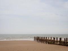 Breakwater (AMcUK) Tags: em10 em10ii em10mkii em10mk2 em102 omdem10 omdem10mkii omd olympusuk m43 micro43rds micro43 microfourthirds olympus olympusdigital olympusdigitalcamera olympusomd 1240 1240pro norfolk happisburgh eastanglia coast sea seascape beach beachscene seaside water ocean breakwater seadefence seadefense
