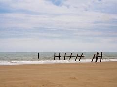 Seascape (AMcUK) Tags: em10 em10ii em10mkii em10mk2 em102 omdem10 omdem10mkii omd olympusuk m43 micro43rds micro43 microfourthirds olympus olympusdigital olympusdigitalcamera olympusomd 1240 1240pro norfolk happisburgh eastanglia coast sea seascape beach beachscene seaside water ocean breakwater seadefence seadefense
