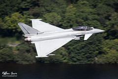 RAF Typhoon FGR.4 ZJ931 low level at Ullswater (NDSD) Tags: low level typhoon eurofighter fgr4 ullswater cumbria flying jet raf lake district plane sky aircraft aviation bae systems tarnish warton water waterlocked