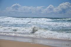 """L'écume et les nuages (Brigitte .. . """"Tatie Clic"""") Tags: août été plage océan sable vagues 201808091 groupenuagesetciel gironde sudouest francesudouest bassin darcachon aquitaine bassindarcachon capferret lcob fabuleuse"""
