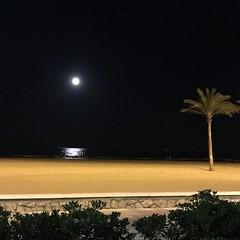 En Cullera (Valencia) (Marisa Tárraga DV) Tags: spain valencia playa beach night noche cullera iphone6s ngc