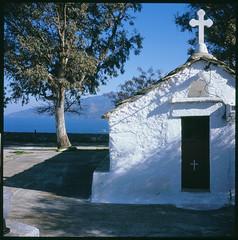 chapel by the sea (Vinzent M) Tags: brillant heliar 75 zniv voigtländer kodak portra greece ελλάσ ikaria icaria ικαρία