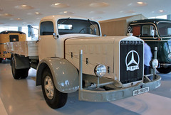 L6500 (Schwanzus_Longus) Tags: stuttgart german germany old classic vintage vehicle truck lorry platform flatbed mercedes benz l6500
