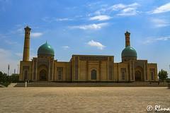 TASHKENT (RLuna (Instagram @rluna1982)) Tags: uzbekistan rutadelaseda samarcanda samarkanda viaje asia vacaciones travel canon photo mezquita musulman muslim ramadan khiva jiva tamerlan rluna rluna1982 tashkent complejohazratimam silkroad mosque madraza madrasa siab bazar afrosiab zoco
