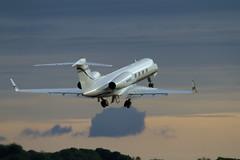 N450KT (Steve Perry B) Tags: gulfstream g450 givx mockingbird gl4 edinburgh departure evening biz bizjet