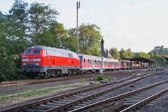 218 mit Fußballsonderzug im Nahetal (g.lochner) Tags: german railway eisenbahn 218 baureihe218 dbregio diesellok nahetal alsenzbahn fusballsonderzug deutschebahn sonderzug