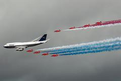 Red Arrows flying with BOAC 747 (osophie20) Tags: riat royalinternationalairtattoo raffairford plane aviation aircraft redarrows raf boac britishairways b747 boeing hawk