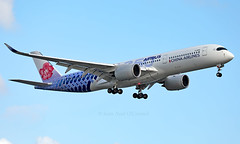 B-18918 - Airbus A350-941 - LGW (Seán Noel O'Connell) Tags: chinaairlines b18918 airbus a350941 a350 a359 gatwickairport lgw egkk tpe rctp ci69 cal69 carbonfibrelivery aviation avgeek aviationphotography planespotting