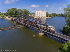 BNSF 9704 @ St. Joseph, MI (Michael Polk) Tags: burlington northern santa fe bnsf emd sd70mac 9704 freight coal train michigan pere marquette csx e800 st joseph river bridge swing