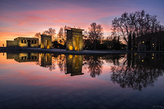 _DSF9394 (JF Marrero) Tags: españa spain madrid arguëlles arguelles edificio building templo temple debod egipcio egyptian arte art atardecer puesta ocaso dusk colores colors colours amarillo yellow naranja orange dorado gold piscina pool charco pond fuente fountain parque park reflejos reflections simetria simmetry