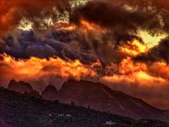 Madrugando ll (yokaway7) Tags: sunsets sunset sunrise amanecer atardecer crepúsculo tenerife canaryislands santacruzdetenerife