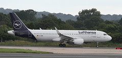 Photo of D-AIWD Lufthansa Airbus A320-214(WL) 2