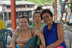 pretty middle aged ladies (the foreign photographer - ฝรั่งถ่) Tags: three middleaged ladies khlong bang bua portraits bangkhen bangkok thailand nikon d3200