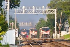 Triple Meet - Sorta (tim_1522) Tags: railroad railfanning rail illinois il burlingtonnorthernsantafe bnsf burlingtonnorthern bn racetrack chicago sub subdivision emd metra passenger commuter f40phm2 f40ph3 signalbridge
