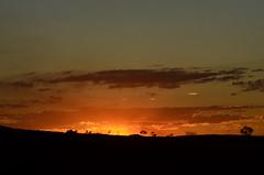 Céu incendiado (Márcia Valle) Tags: sunset pordosol entardecer inverno wintertime márciavalle minasgerais brasil brazil nikon d5100 sunlight