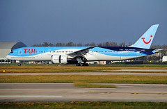 TUI 787-9 (Infinity & Beyond Photography: Kev Cook) Tags: airlines airways boeing 787 7879 b787 aircraft airplane airliner ringway airport manchester man egcc planespotting photos planes tui gtuij