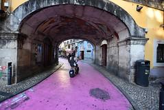 Uma rua rosa... (pescarolo041) Tags: porto oporto portugal street pink