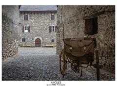 Anciles (Ignacio Ferre) Tags: anciles benasque pirineos huesca aragón ribagorza españa spain nikon casa house pueblo village carro pyrenees