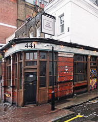 441 THE SUN TAVERN. (karl from perivale) Tags: pub publichouse thesuntavern outdoor outside architecture building bethnalgreen london england uk gb